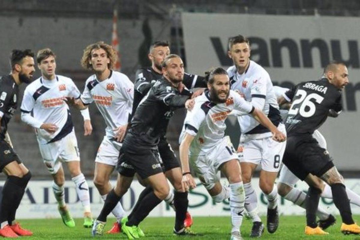 Risveglio Robur, Pistoiese battuta 2-1 grazie a Campagnacci e Guberti