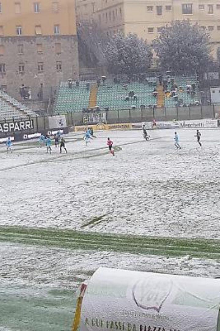 Siena-Olbia 1-0: Santini manda in testa i bianconeri