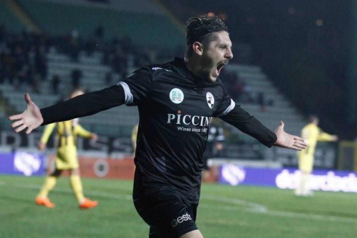 Siena-Viterbese 1-0, basta Vassallo alla Robur per tornare in vetta
