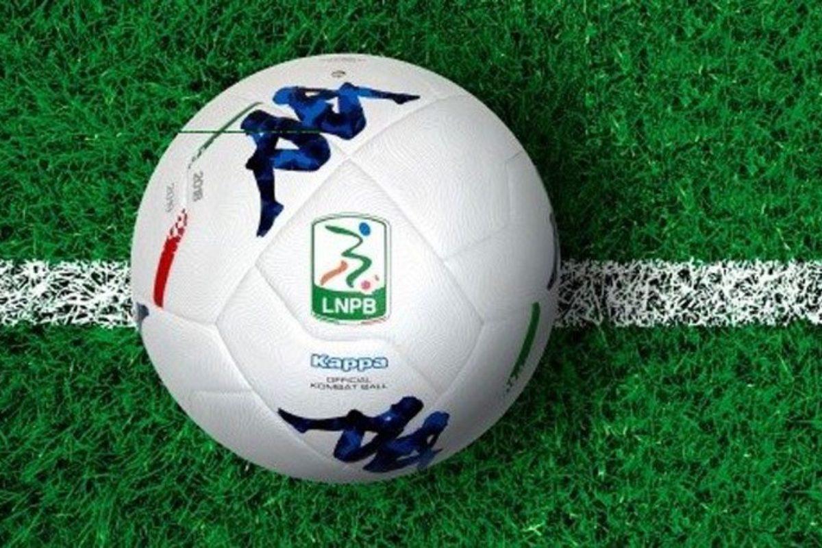 """La Serie B a 19 squadre: le polemiche continuano. E per le """"ripescabili"""" si apre uno spiraglio?"""