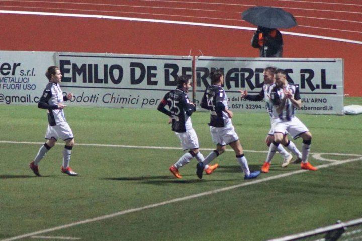 Pontedera-Siena finisce in pareggio: 6 reti e tante emozioni