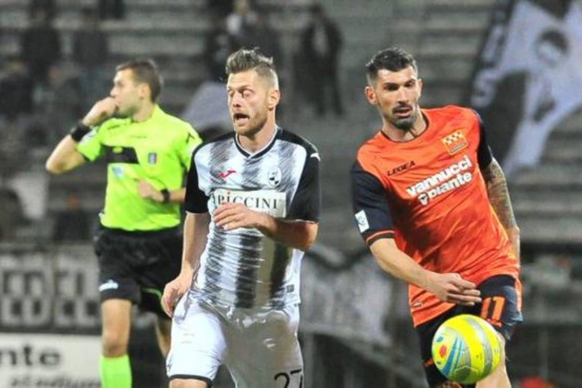 "Il Siena bacchetta la Pistoiese al ""Melani"": finisce 0-2"