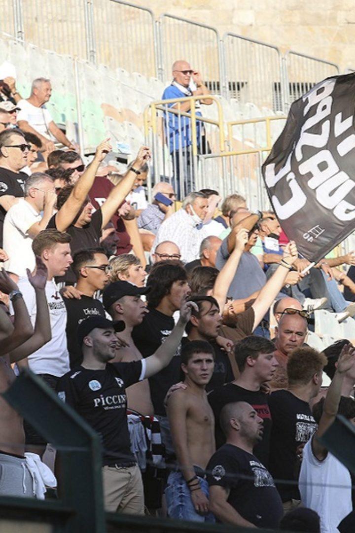 Siena-Carrarese: biglietti in vendita. Domani scadono gli abbonamenti